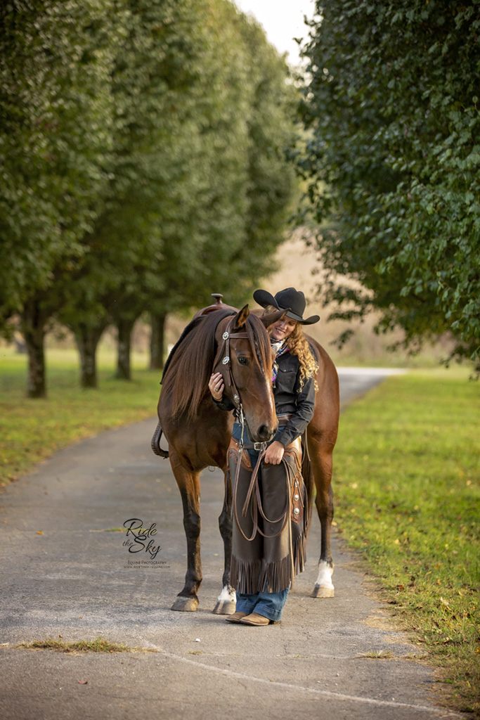 AR Horsemanship posed with mustang horse in Chattanooga TN