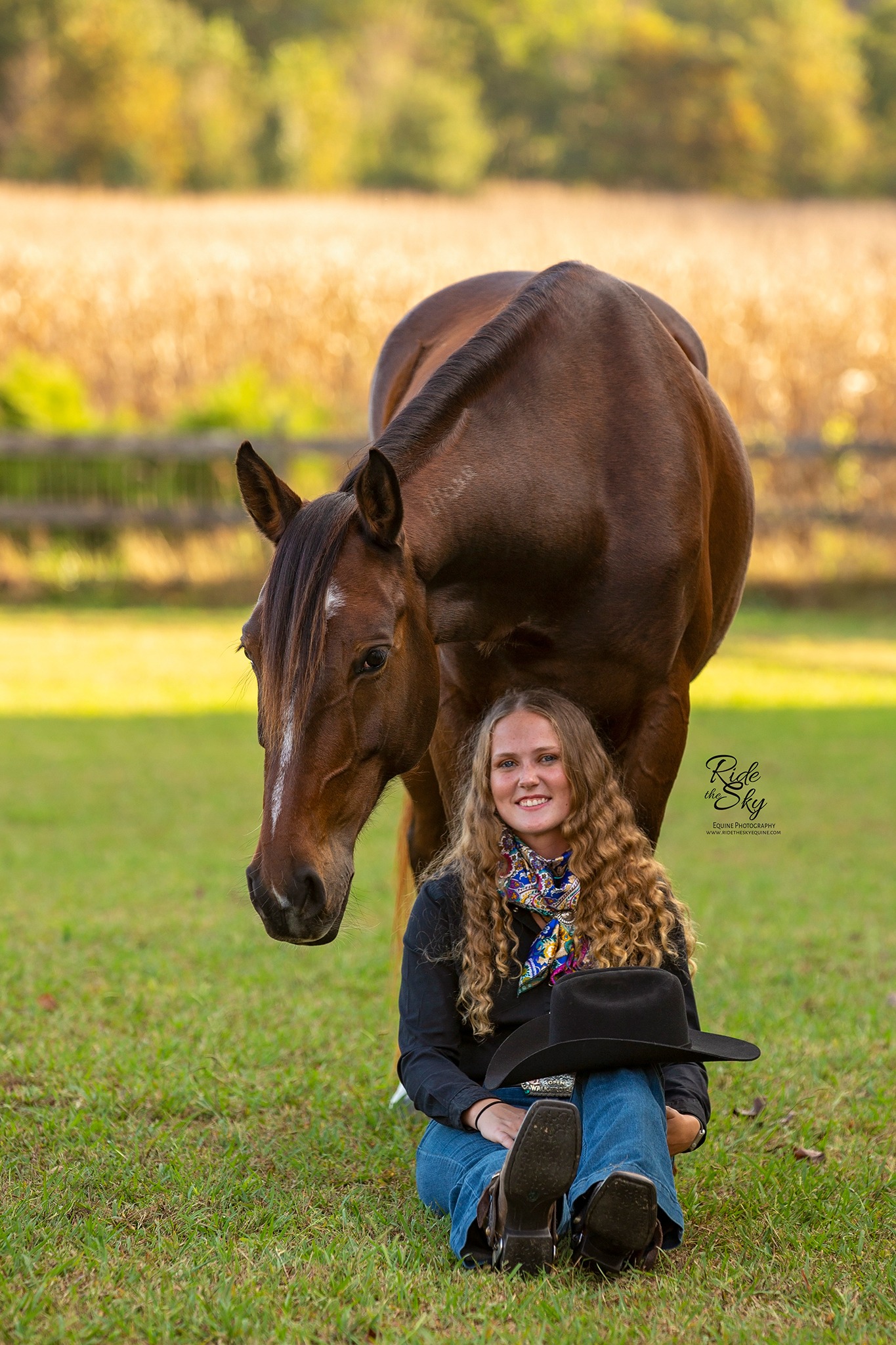 Horse Trainer with her liberty mustang horse in Chattanooga Tennessee